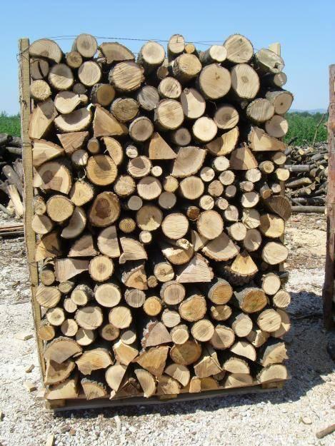 Consigli per l 39 acquisto di una buona legna da ardere for Legna da ardere prezzi