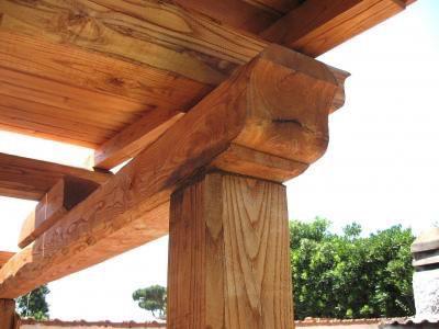 Come realizzare un gazebo nel giardino i passi principali - Alzare il tetto di casa ...